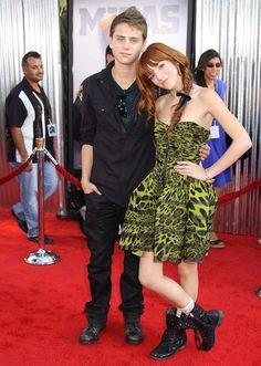 er Bella Thorne dating Garrett backstrom 2012 beste mobiltelefon dating app
