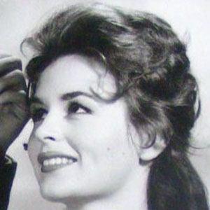 Marianna Hill
