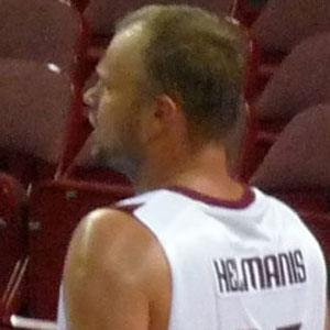Uvis Helmanis