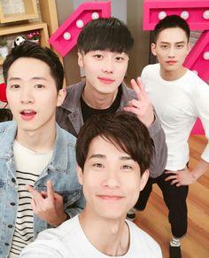 Yu Awu & family
