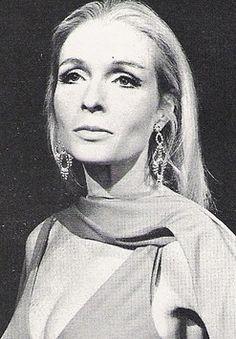 Carrie Nye