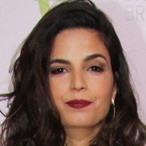 Emanuelle Araujo