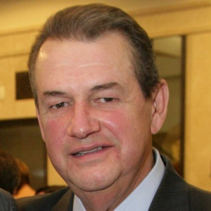 Cesar Mata Pires