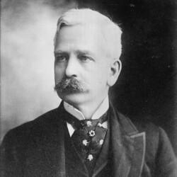 Gordon Segal