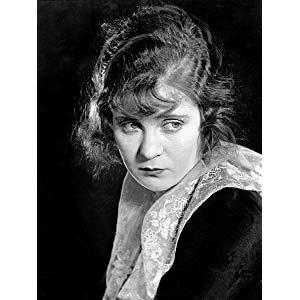 Mae Marsh